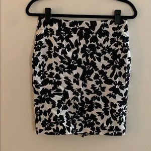 4 Petite Loft Black + White Floral Pencil Skirt